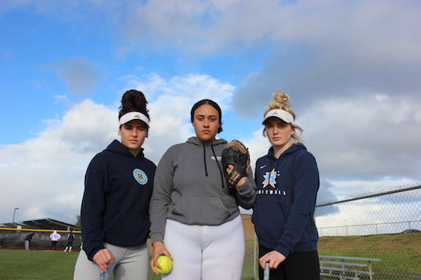 Heritage Softball, Xiara Diaz, Morgan Hess, Delia Scott