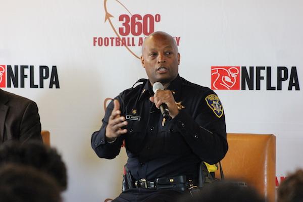 Oakland Police, Bobby Hookfin