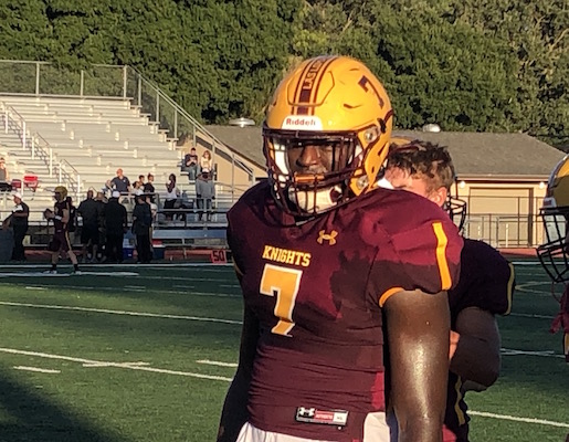 ELIJAH LASH Las Lomas-Walnut Creek - Football - Senior Chosen SportStar of the WeekIn his first season with the Knights, Elijah Lash has made an immediate impact on both sides of the ball.
